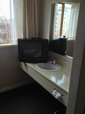Harbour Towers: Sink in room and weird location for TV.