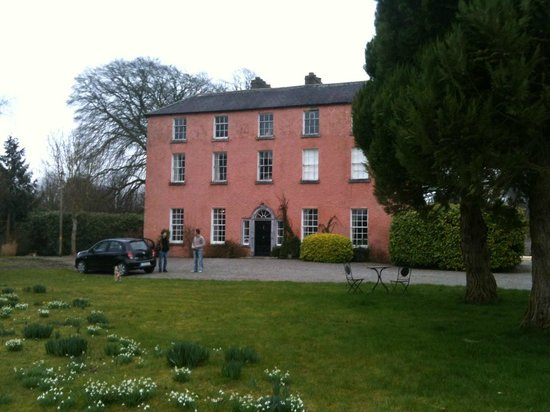 Athy, Irlanda: Dollarsdstown House, Early March