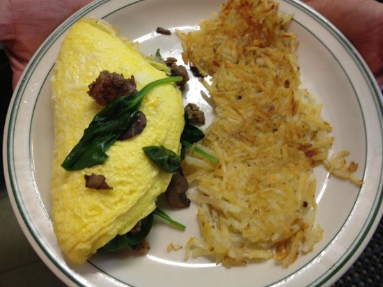 Graeagle, Kalifornia: Sausage, mushroom, spinach and Swiss cheese omelet!