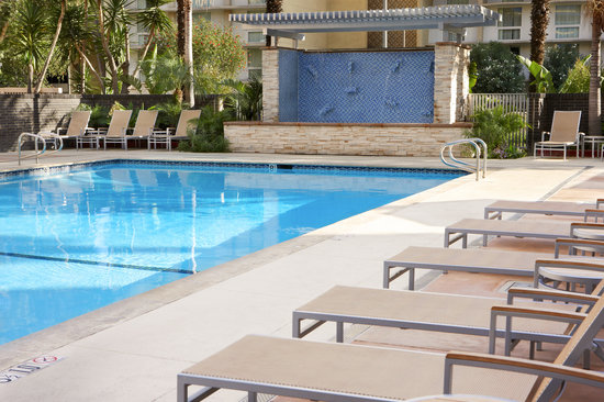 Four Points by Sheraton Los Angeles International Airport: Pool