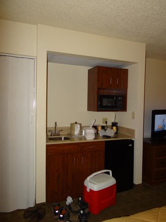 Comfort Inn &amp; Suites at Dollywood Lane : Mini Kitchenette 