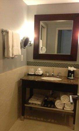 "The Westin Washington National Harbor: Love the ""zoom"" mirror!"