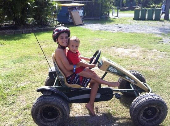 Gold Coast Holiday Park & Motel: enjoying the carts