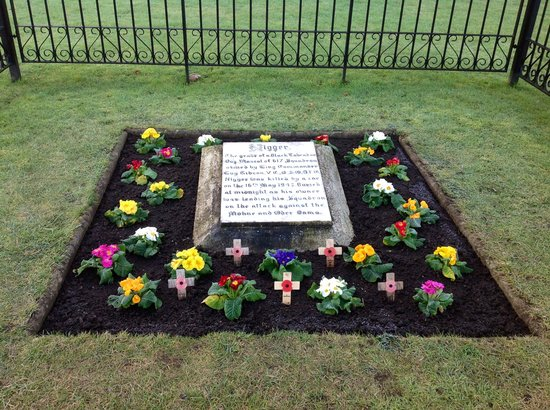 Lincoln, UK: The grave of Wg Cdr Guy Gibsons black labrador, lovingly cared for by the RAF Scampton Head Cura