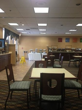 ‪‪Comfort Inn Randolph‬: breakfast area‬