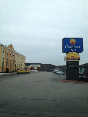 Comfort Inn Randolph: next to Mexican restaurant