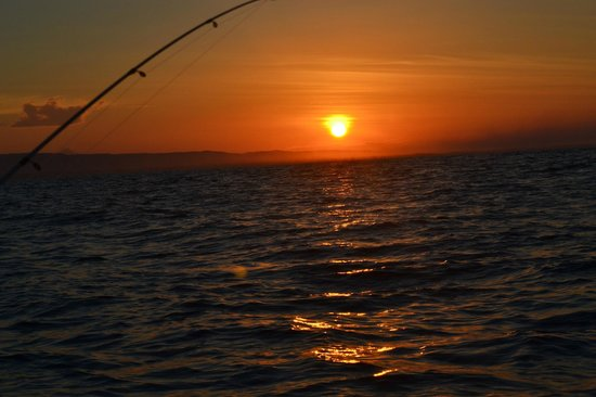 Latina Hostal: fishing  in las penitas while the sun rise up, a trip that you will never forget...