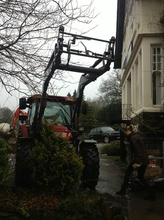 Windermere Boutique Hotel: Digger at front of hotel