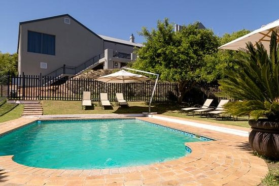 Protea Hotel Tyger Valley: Swimming Pool