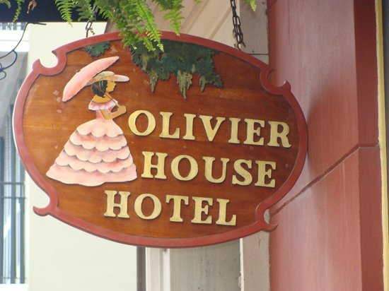 Olivier House: Easy to find!
