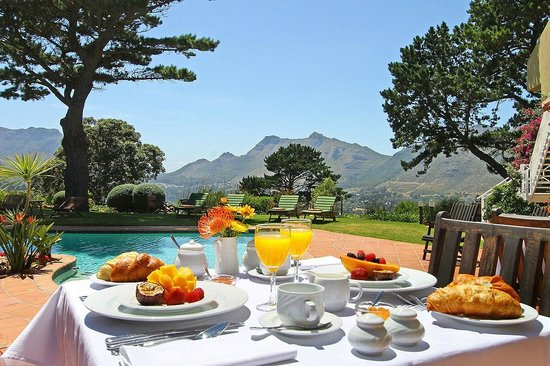 Villa Montebello: Breakfast in the garden