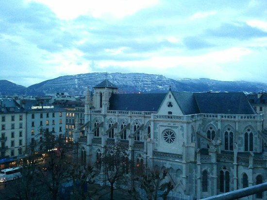 Cornavin Hotel Geneva: View from 609