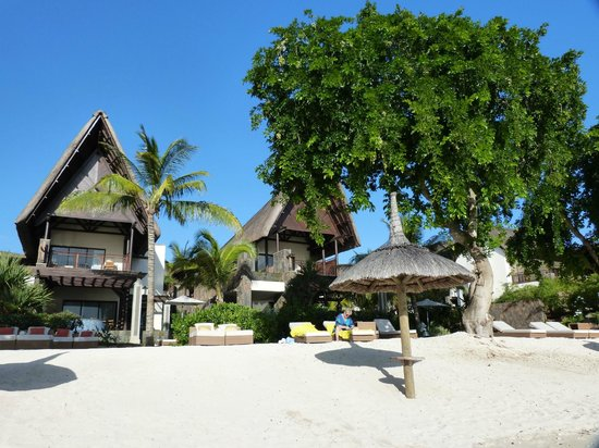 Angsana Balaclava Mauritius: villas le long de la plage