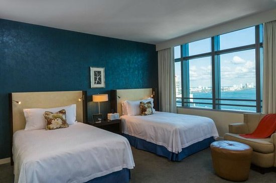 Conrad Miami: Deluxe Two doble beds bay view room
