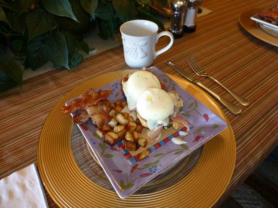 A Mountain Valley Home B&B Inn: Gourmet Breakfast