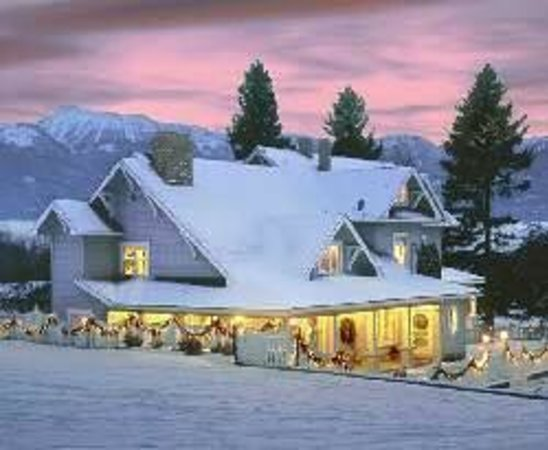 1910 Historic Enterprise House Bed & Breakfast: Winter In the Eagle Cap Wilderness