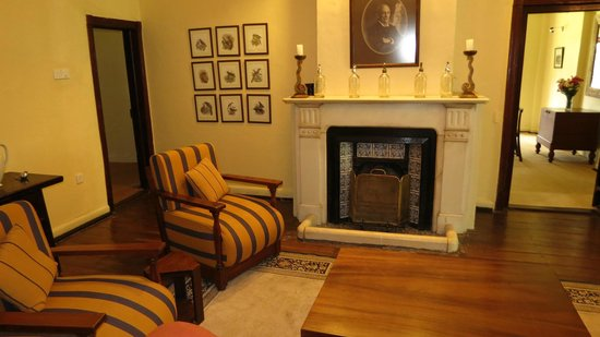 Ferncliff Boutique Bungalow: Living room fireplace