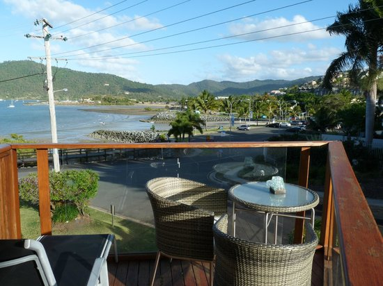 Airlie Waterfront Bed and Breakfast: Private balcony