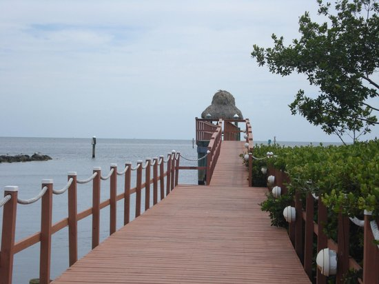Mariner's Resort Villas & Marina: the pier