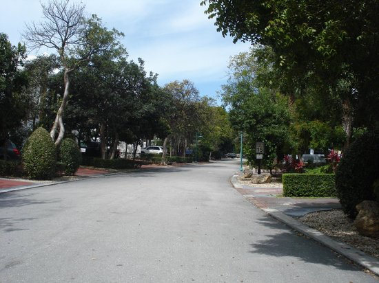 Mariner's Resort Villas & Marina: our street