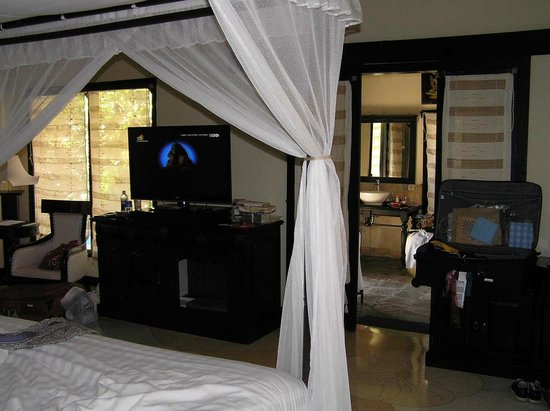 Furama Villas & Spa Ubud: inside our room