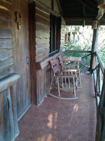 ‪‪El Sabanero Eco Lodge‬: Cabina porch overlooking valley‬