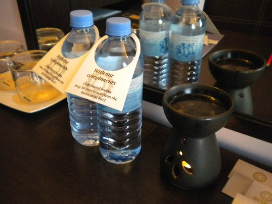 Hotel Octave: free 2 bottles of water