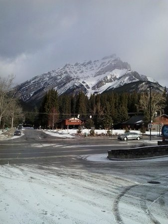 Inns Of Banff: Just across the street  (View)