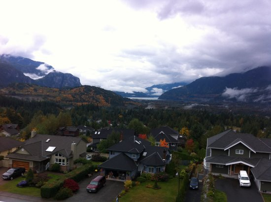 Garibaldi Highlands, แคนาดา: View from Highlands B&B