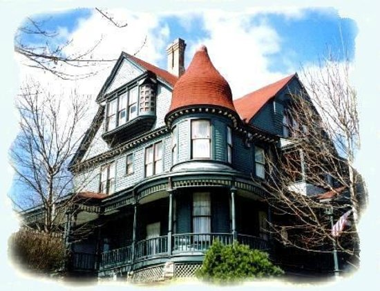Reagan's Queen Anne B & B : Reagan's Queen Anne Bed and Breakfast