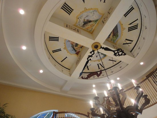 Hampton Inn & Suites Amelia Island-Historic Harbor Front : lobby ceiling