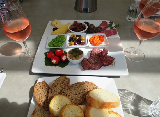 Snells Beach, New Zealand: Vineyard Platter for 2 persons