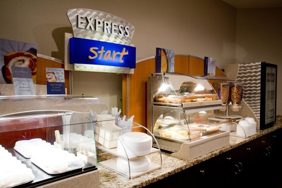 Holiday Inn Express Montrose - Townsend: Breakfast