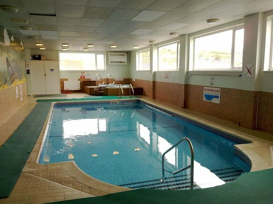 301 moved permanently for Hotels in cornwall with indoor swimming pool