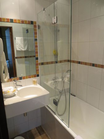 Hotel Saint Paul Rive Gauche: bathroom