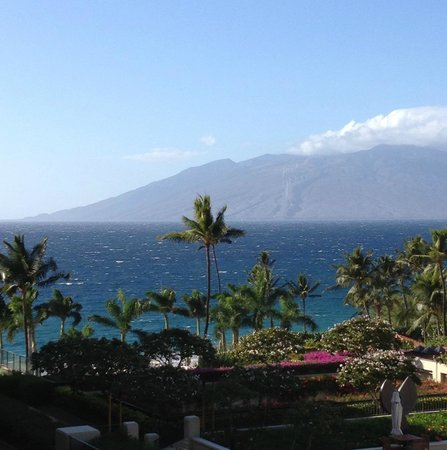 Four Seasons Resort Maui at Wailea: the view from the serenity pool