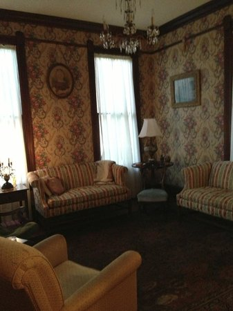 63 Orange Street Bed and Breakfast: Guest sitting room/common areas