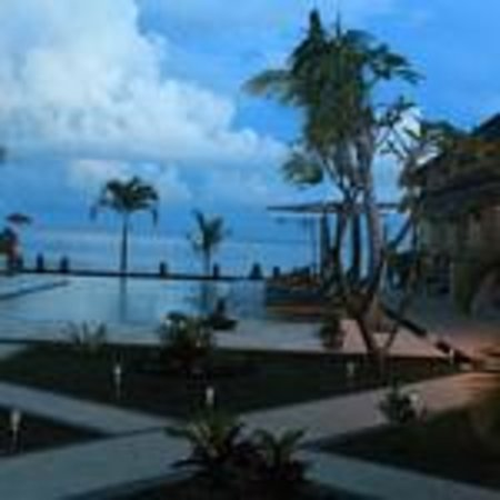 Kelapa Lovina Beach Villas Bar & Resto