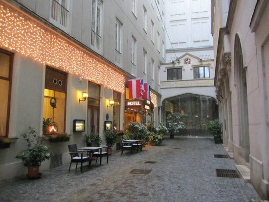Road (alley) to Hotel Austria