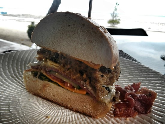 Astoria Bohol: Angus Beef Burger P 280 cooked in their pugon