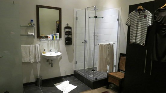 Underberg Guest House: Bathroom