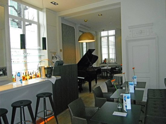 Hotel Navarra: Piano bar