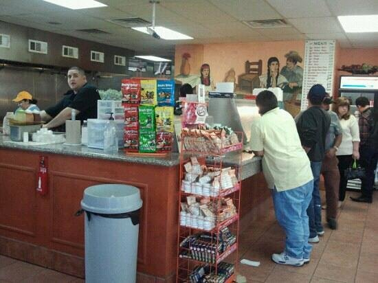 Taqueria Chihuaua: Food counter- breakfast and lunch!