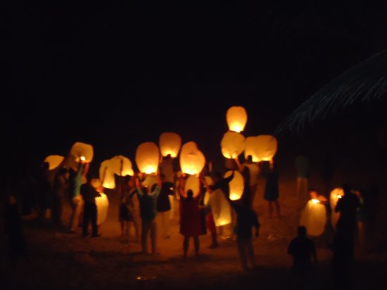 Cabanas Tulum: Wish Lanterns at the end of our wedding
