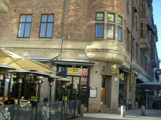Plaza Hotel Malmo : 2 mins from hotel, Lilla Torg 
