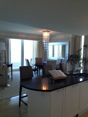 The Ritz Carlton Fort Lauderdale: Living Room 3 Bedroom Residential Ocean Front
