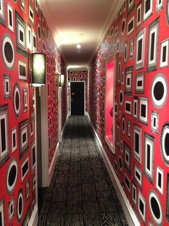 Moderne Hotel : I felt like I was down the rabbit hole!