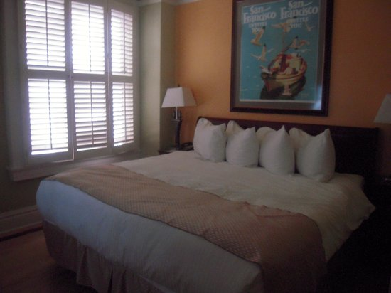 BEST WESTERN The Hotel California: The king size room