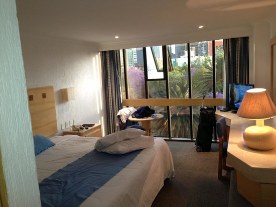 Stella Maris: soft bed, calming lighting, city views
