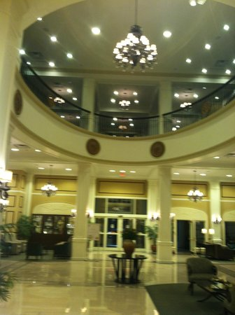 Hilton Garden Inn Jackson Downtown: FOYER
